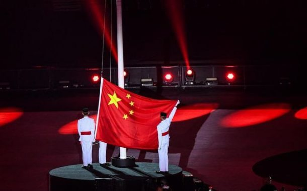 Berkibarnya Bendera China di Penutupan Asian Games